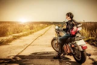 Caliente La chica de la motocicleta.