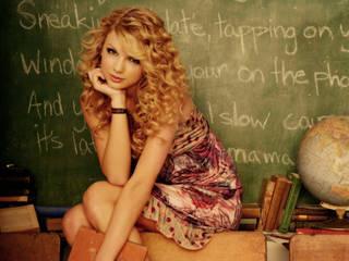 Adorável jovem cantora Taylor Swift em fotos de alta qualidade.